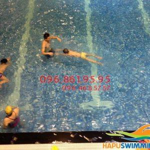 Học bơi Hapulico kèm riêng giúp bé tự tin, thoải mái