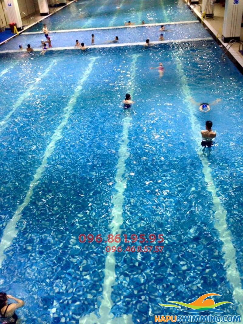Biết bơi nhanh chóng với khóa học bơi tại Hapulico kèm riêng