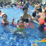 Gia tăng hoóc môn hạnh phúc với lớp học bơi ở bể Hapulico