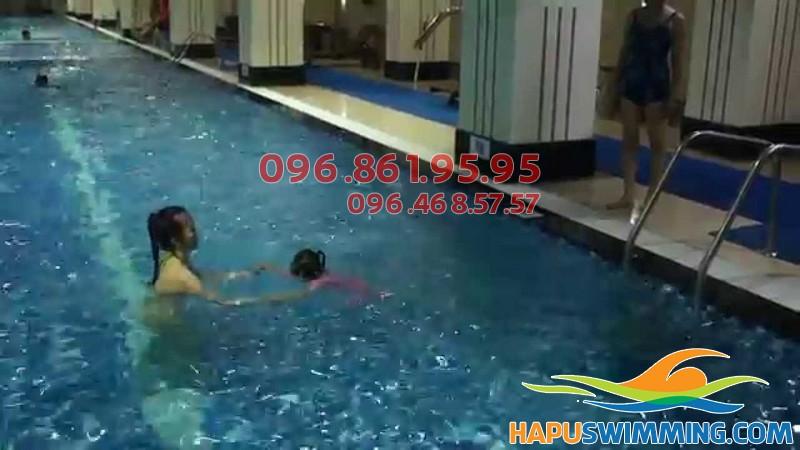 Tất tần tật thông tin về lớp dạy bơi bể Hapulico của Hapuswimming 01