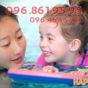 Bơi lội giúp trẻ ăn ngon miệng hơn