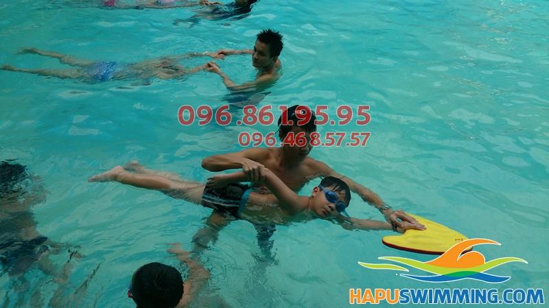 Cần tìm lớp học bơi sải tại Hà Nội
