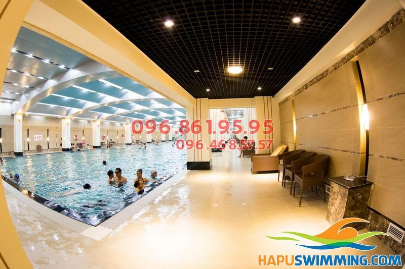 Mùa đông, đi bơi ở bể nào tốt nhất?