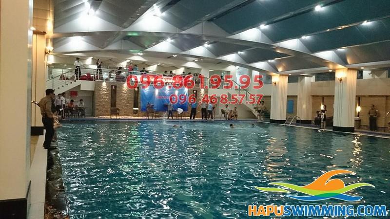 """""""Mát nhãn"""" trước view đẹp của bể bơi Hapulico"""