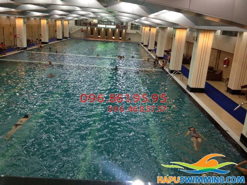 Tuyển sinh khóa học bơi mùa đông tại bể Hapulico