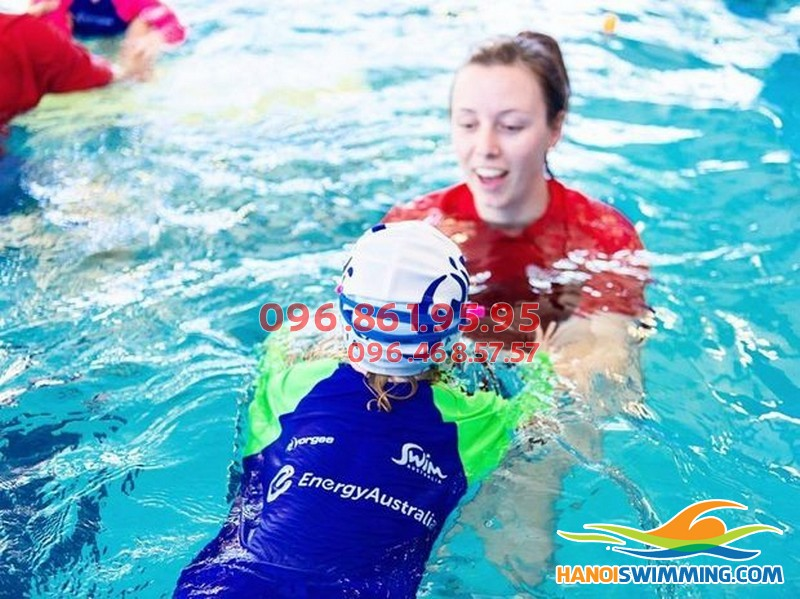 Những bài tập cơ bản dành cho người mới học bơi