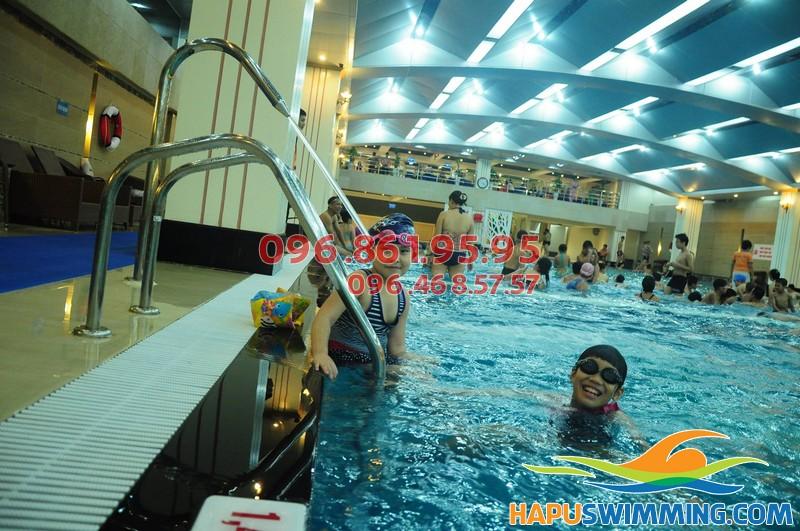 Học bơi bể Hapulico 2017 uy tín, chất lượng, giá rẻ