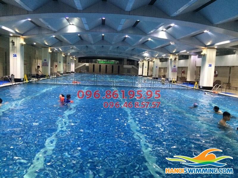 Dạy bơi cấp tốc cho người lớn bể Hapulico, biết bơi nhanh, chi phí hợp lý