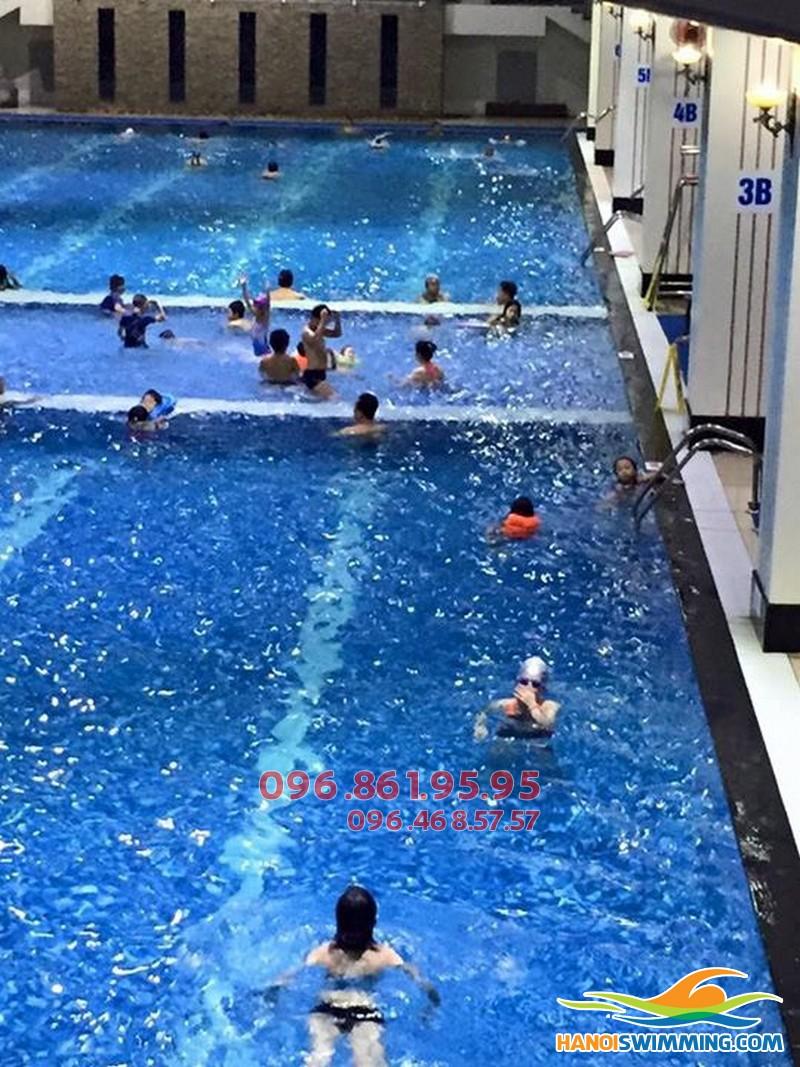 Dạy học bơi cho người lớn bể Hapulico 2017