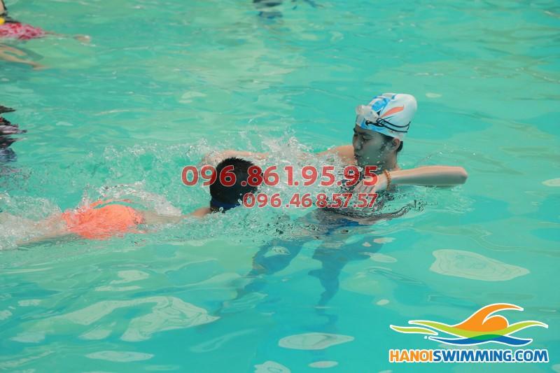 Thông tin về lớp học bơi nâng cao 1 bể Hapulico
