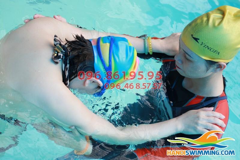 """""""Điểm danh"""" những lợi ích thiết thực từ bơi lội"""