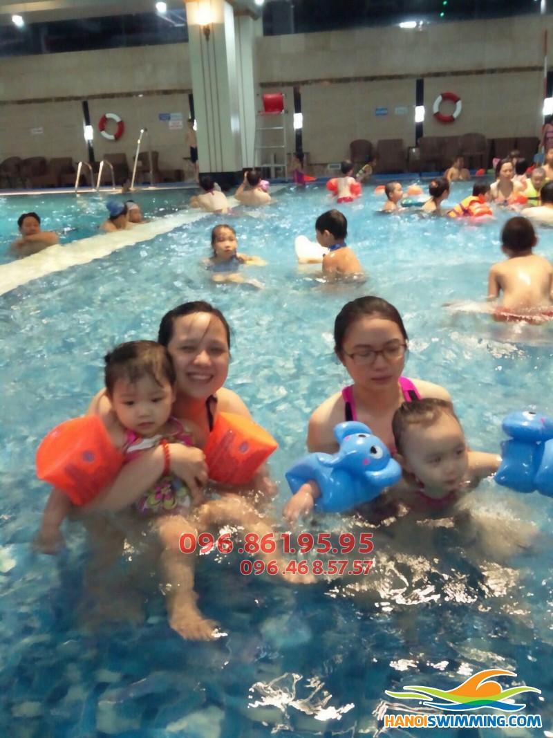 Bể bơi Hapulico: Tuyển sinh lớp học bơi cho trẻ em hè 2017