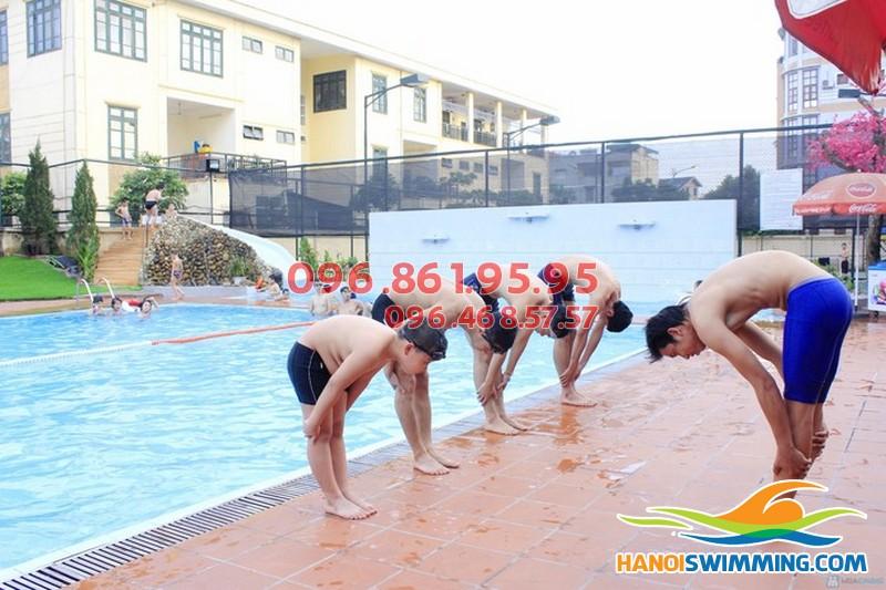 Các bài tập khởi động trước khi bơi