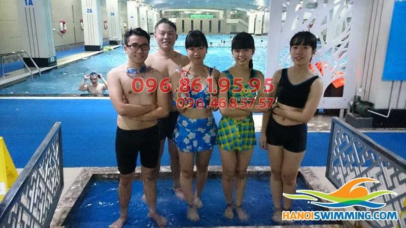 Cần tìm trung tâm dạy học bơi chuyên nghiệp tại Hà Nội