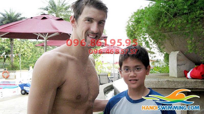 Hình ảnh Michael Phelps và Joseph Schooling xuất hiện trong đề thi tuyển sinh lớp 10