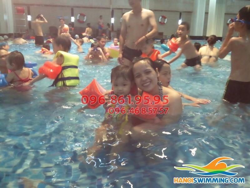 Hình thức và chi phí dạy học bơi cấp tốc bể Hapulico
