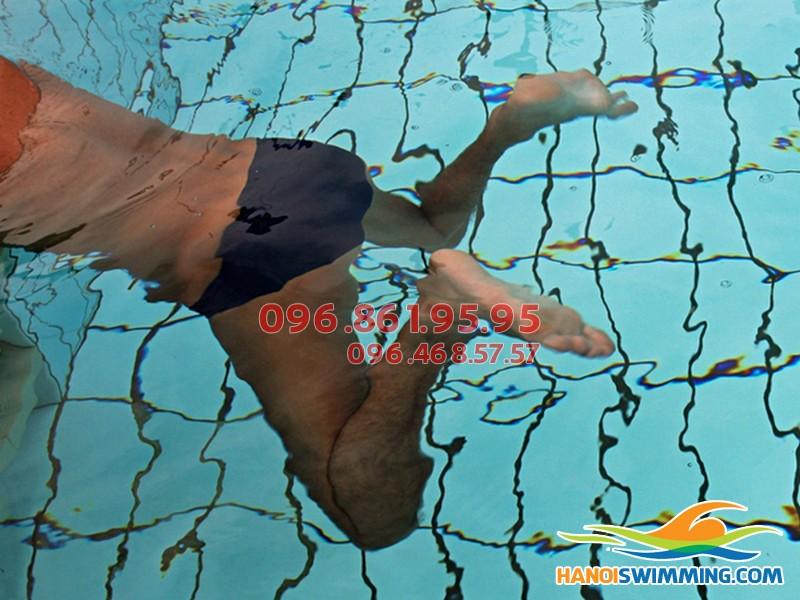 Muốn trẻ có chiều cao lý tưởng hãy áp dụng ngay kiểu bơi này!