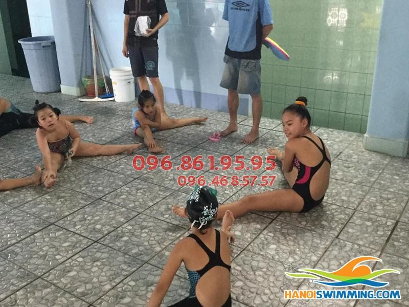 Tầm quan trọng của việc học bơi trên cạn