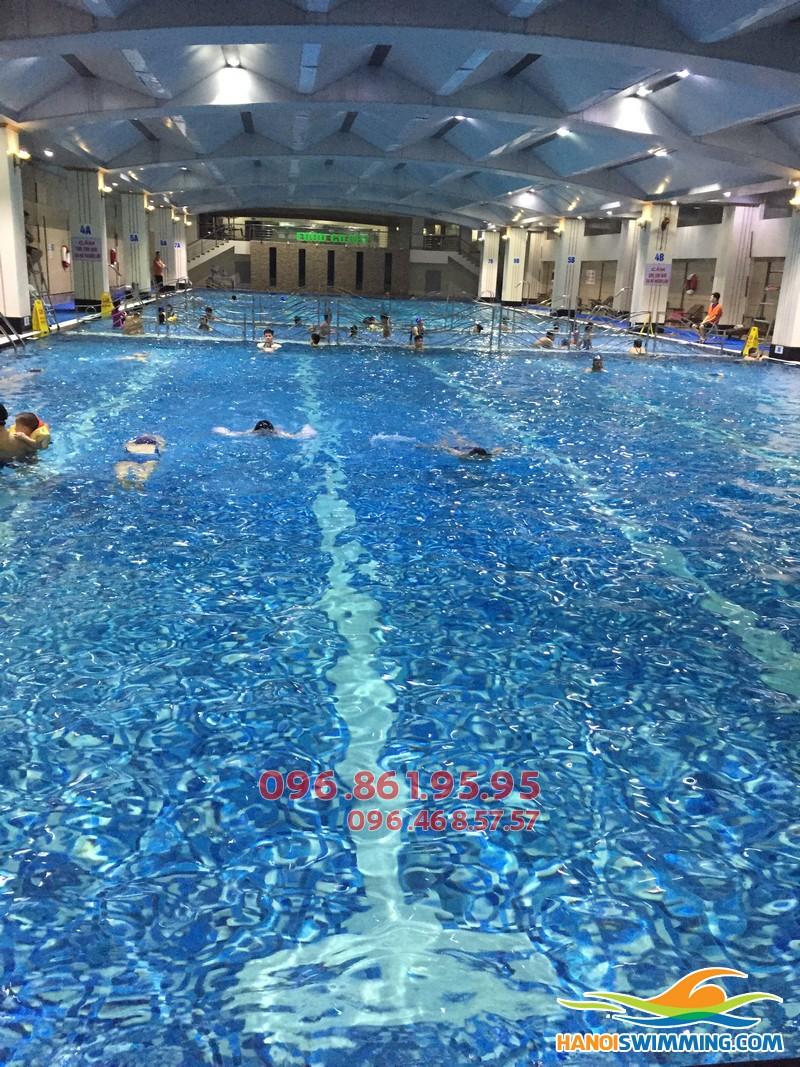 Học bơi ếch nhanh và chuẩn kỹ thuật tại bể bơi Hapulico
