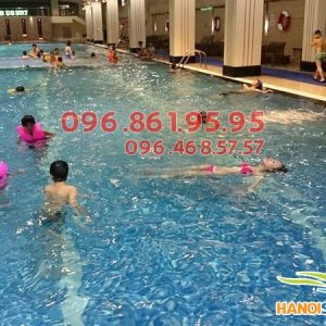 Học bơi theo tiêu chuẩn quốc tế tại bể bơi Hapulico