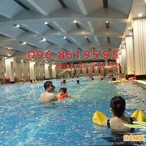 Các lớp học bơi mùa đông bể nước nóng Hapulico 2017