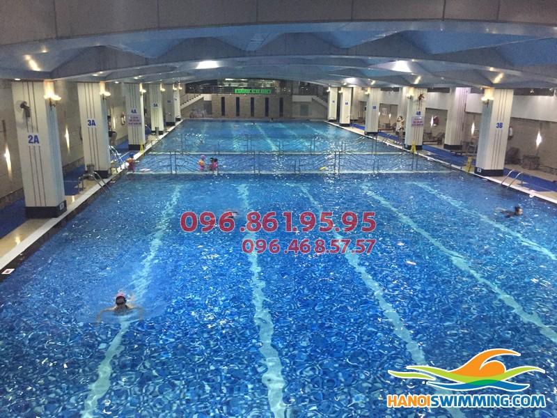 Đăng ký học bơi mùa đông tại bể bơi nước nóng chất lượng cao