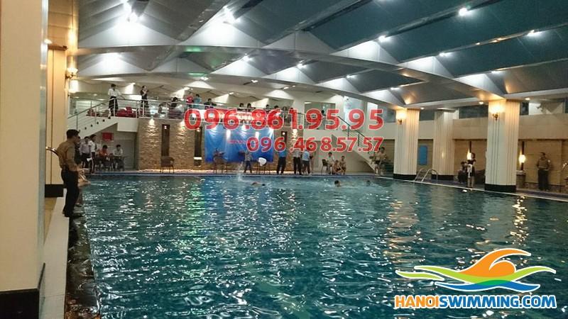 Tổng hợp lý do nên chọn học bơi mùa đông tại bể bơi nước nóng Hapulico