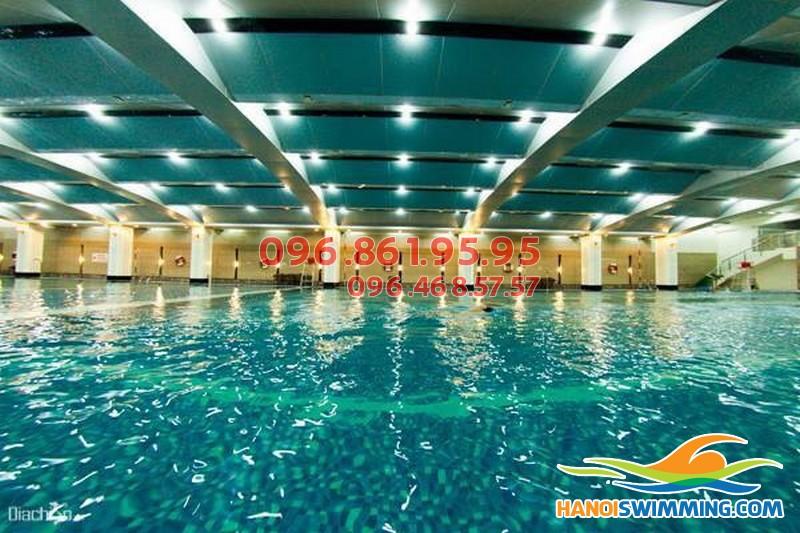Trung tâm dạy học bơi mùa đông tốt nhất bể nước nóng Hapulico