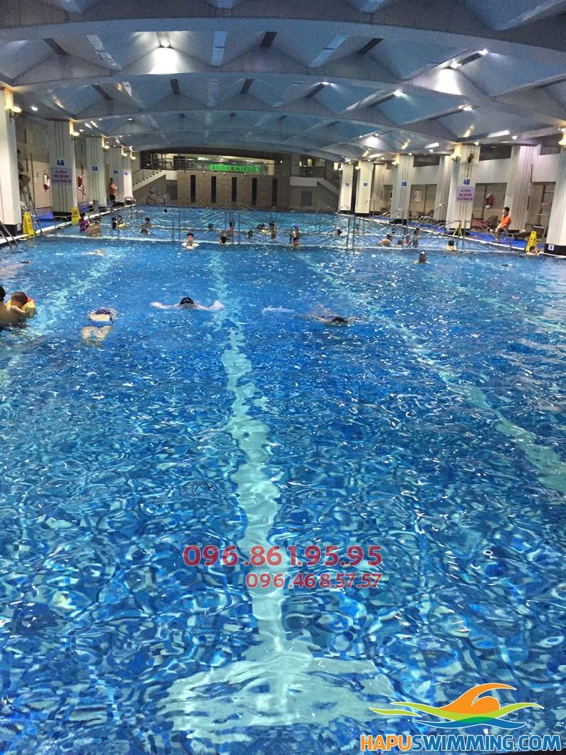 Trung tâm dạy học bơi cấp tốc bể bơi nước nóng Hapulico uy tín mùa đông 2017