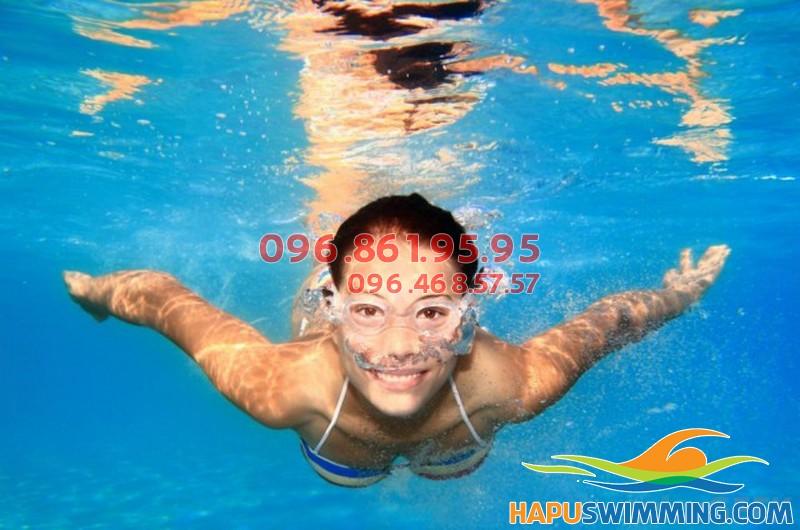 Khóa học bơi giúp giảm cân tại bể bơi Hapulico