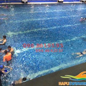 Học bơi mùa đông 2017 bể Hapulico học viên được chọn giáo viên nam nữ tùy thích