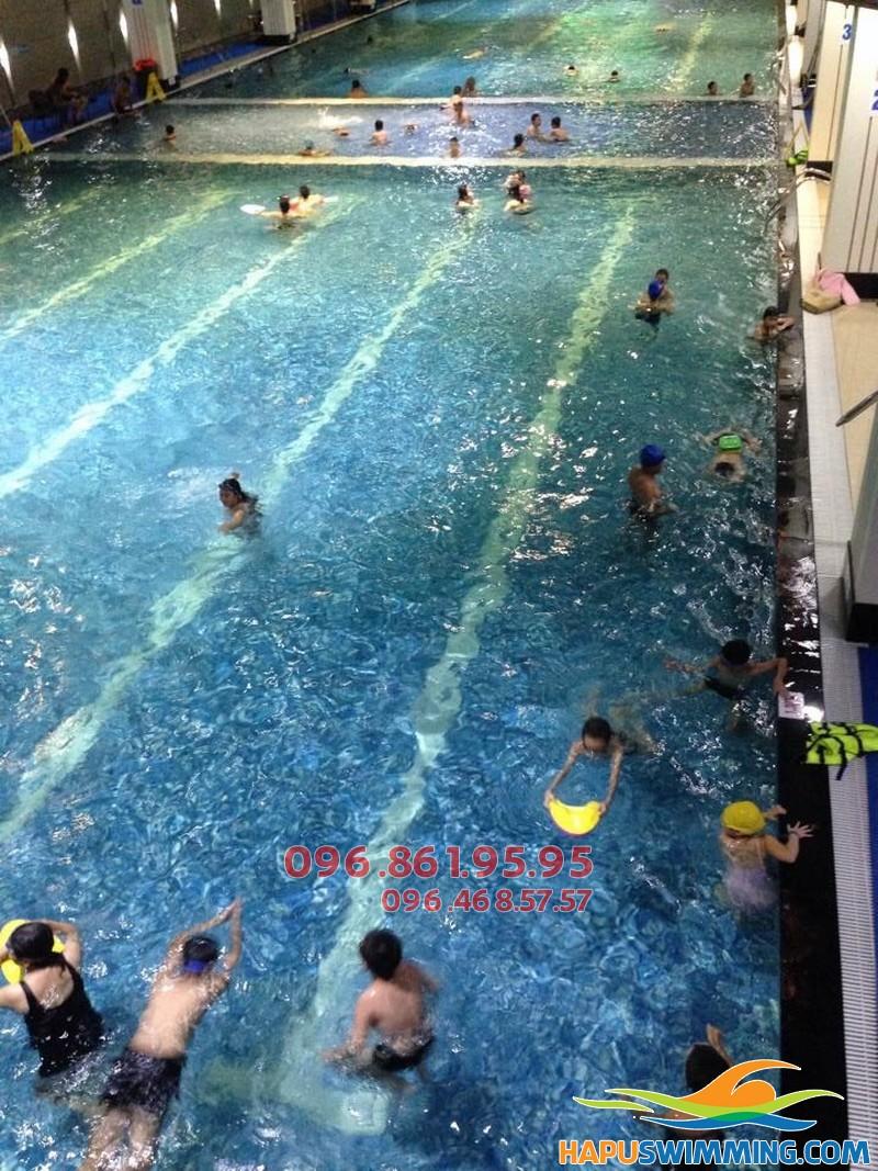Học bơi bể nước nóng Hapulico 2017 cực thích thú với làn nước ấm áp
