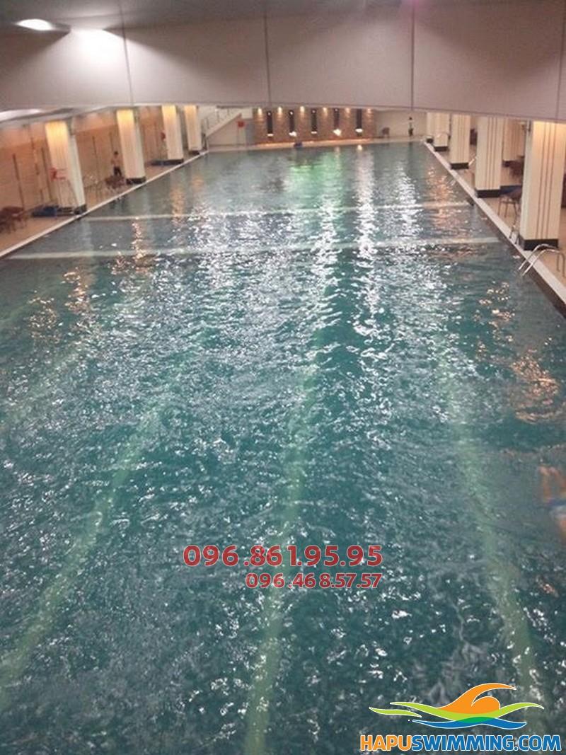 Lớp học bơi mùa đông bể Hapulico có HLV nữ giảng dạy - 01