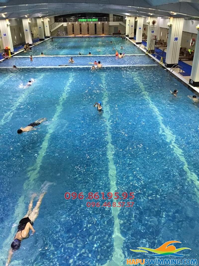 Học bơi ếch đơn giản như đan rổ với VĐV bơi chuyên nghiệp bể Hapulico