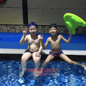 Khóa học bơi bể Hapulico 2018 bổ ích cho bé