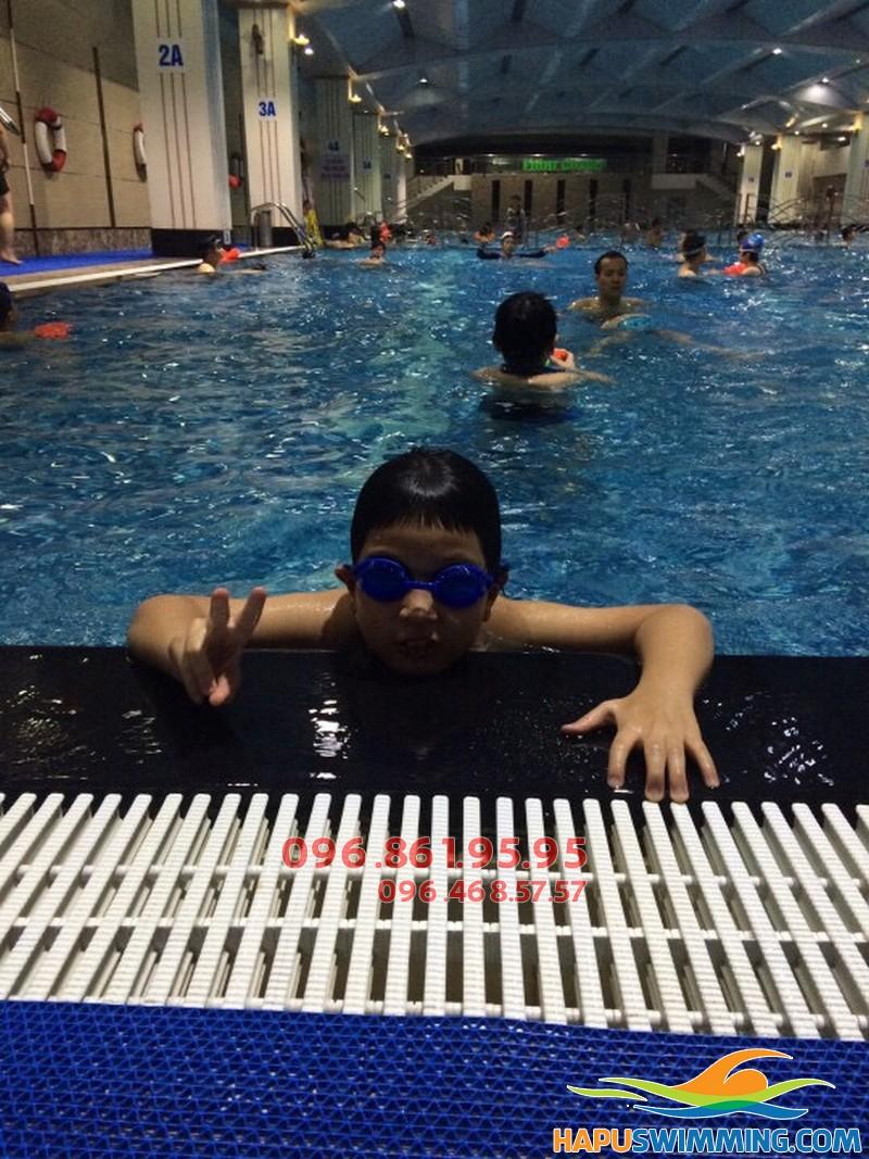 Lớp dạy bơi trẻ em hè 2018 giá rẻ nhất Hà Nội - 02