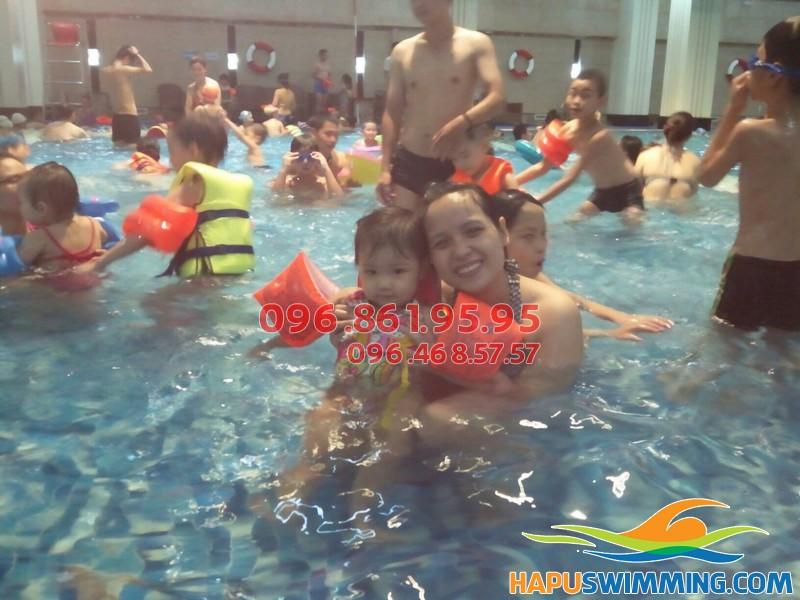 Tham gia lớp học bơi cấp tốc bể Bảo Sơn 2018 để biết bơi nhanh chóng