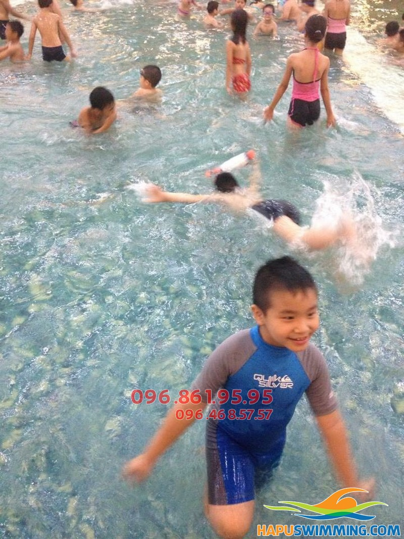 Học bơi bể Hapulico hè 2018 thú vị với hình thức kèm riêng hấp dẫn