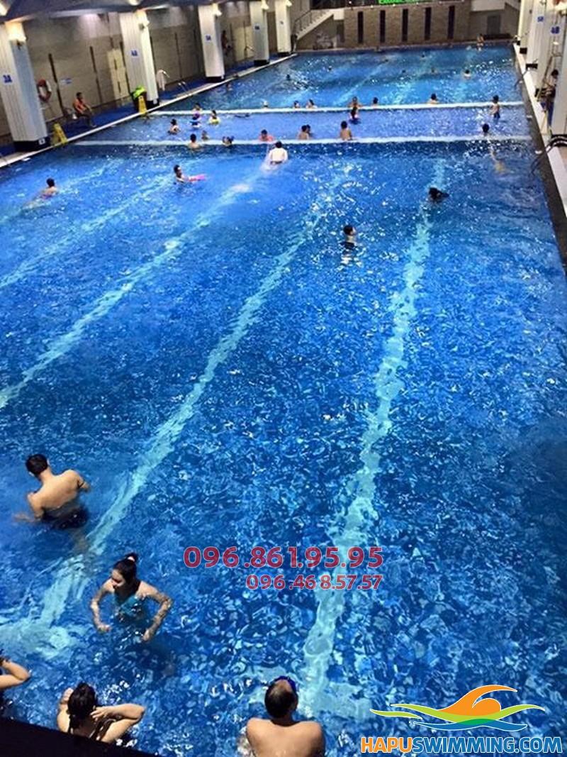 Có đa dạng các lớp học bơi tại bể Hapulico