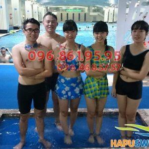 Học viên tham gia học bơi tại Hapulico