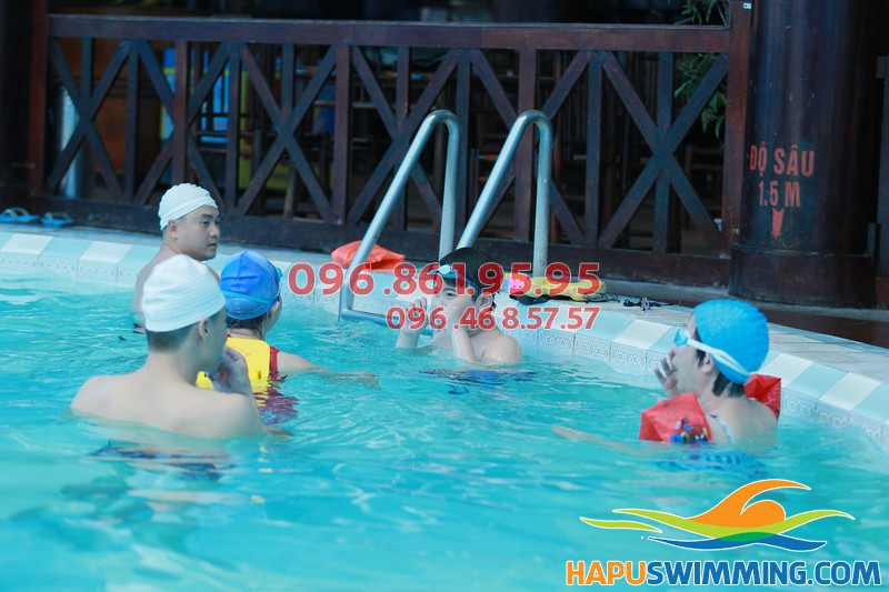 Bể bơi Bảo Sơn là địa chỉ tuyệt vời để đi bơi và học bơi hè 2018 này