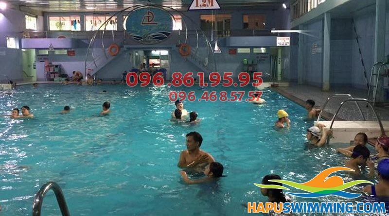 Học bơi cấp tốc tại bể bơi Đặng Tiến Đông
