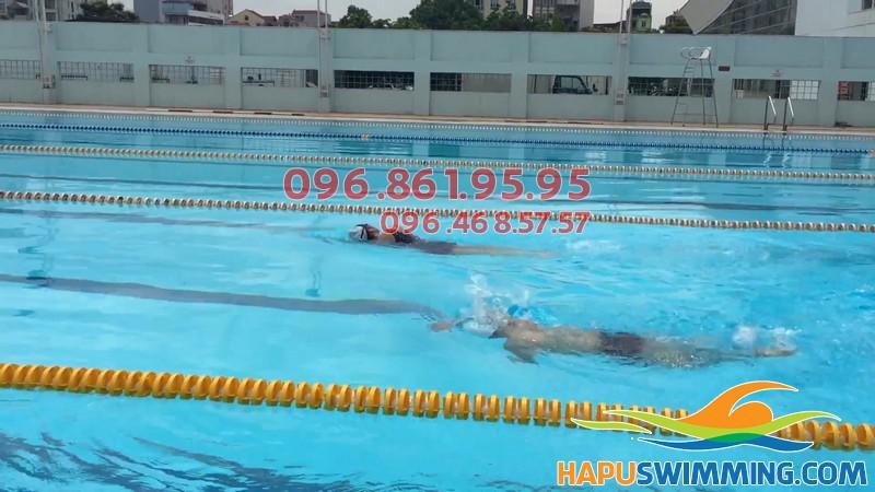 Học bơi 1 kèm 1 tại bể bơi Mỹ Đình
