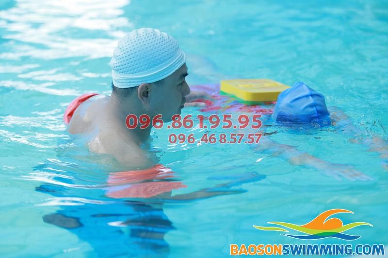 Dạy bơi kèm riêng đảm bảo hiệu quả