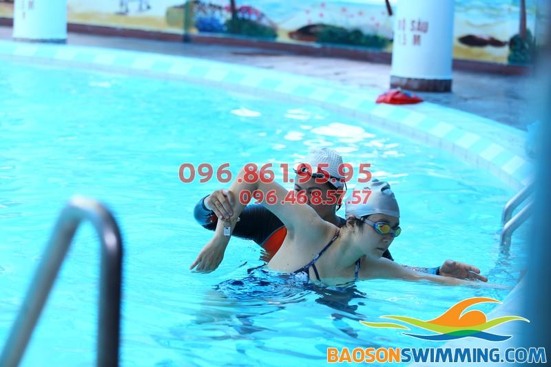 Top 5 địa điểm học bơi cho người lớn tốt nhất Hà Nội