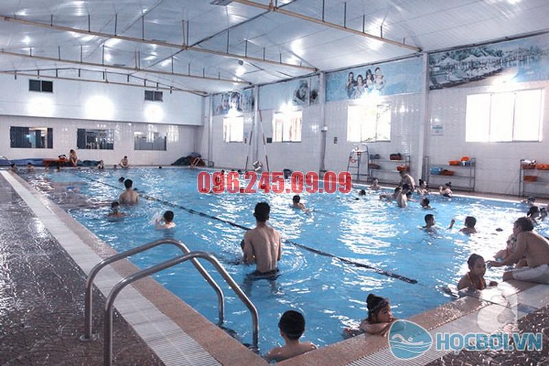 Bể bơi Trần Hưng Đạo