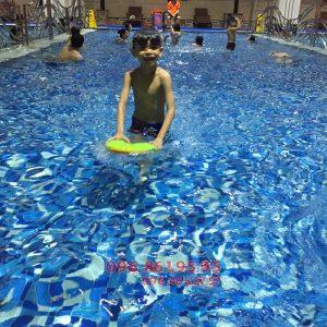 Học bơi có cao không? Lịch bơi để tăng chiều cao phù hợp cho trẻ