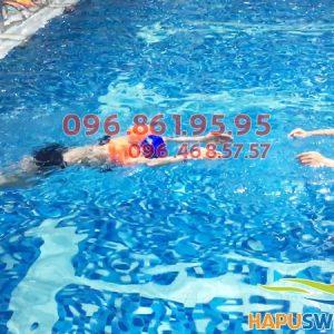 Học bơi tại Hapulico học viên vừa được học bơi, vừa được học những kỹ năng an toàn khi bơi cực quan trọng