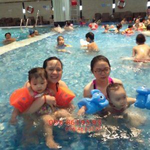 Nên cho bé học bơi từ mấy tuổi - Chế độ bơi hợp lý để tăng chiều cao
