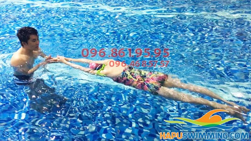 Học bơi người lớn- Các lớp học bơi người lớn tốt nhất ở Hà Nội hè 2018